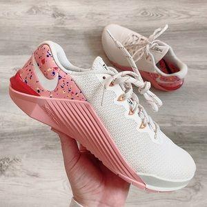 Nike women metcon 5 amp